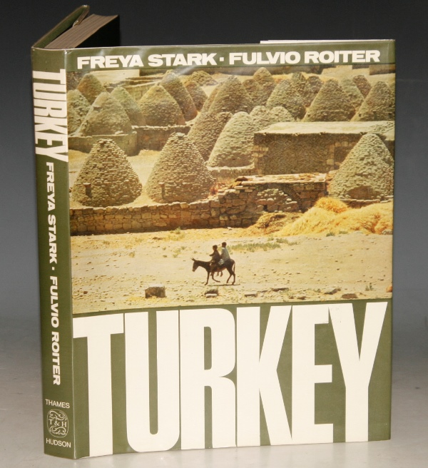 Image for Turkey. A Sketch of Turkish History by Freya Stark. Photographs by Fulvio Roiter. With 168 plates. 25 in Colour.