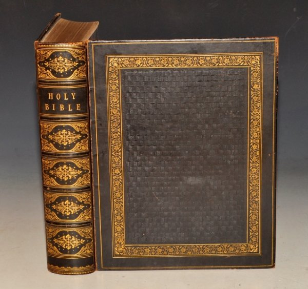 Image for The Royal Family Bible: Containing the Old and New Testaments, According to the Authorised Version: With Marginal Readings, Explanatory Notes, and Original and Selected Parallel References, Printed at Length; Introductions to each of the Sacred Books, and Selections from the Commentaries of Matthew Henry, Scott, Adam Clarke, Poole, Brown, Horne, Barnes, Kitto and Other eminent Bible Critics and Geographers. Also An Introductory Essay on the History of the Bible.