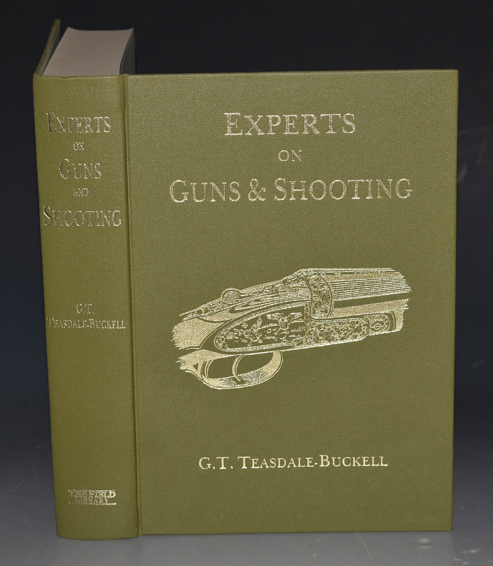 Image for Experts on Guns and Shooting Illustrated. The Field Library.
