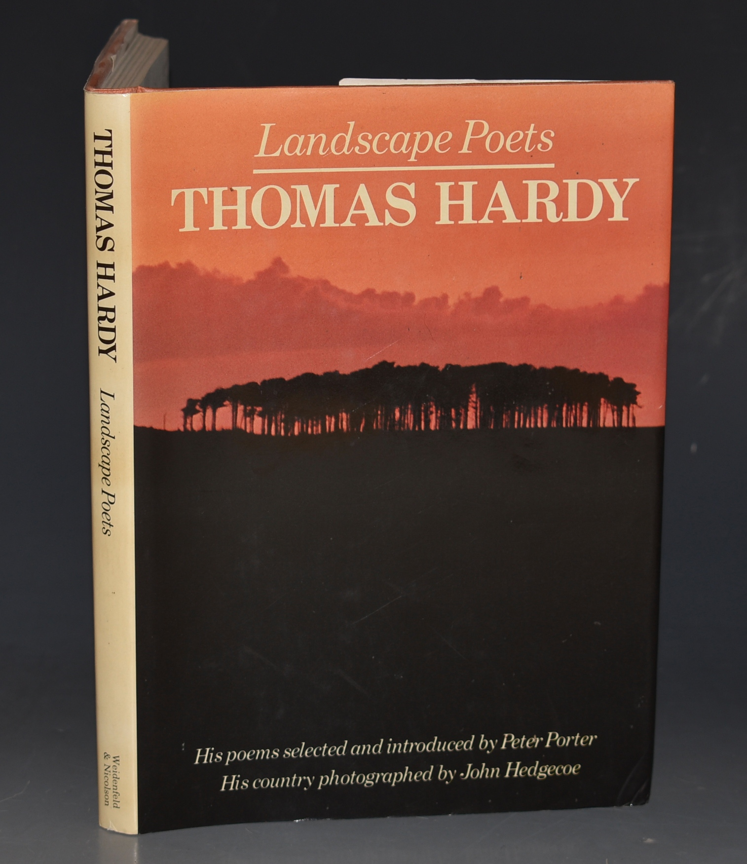 Image for Landscape Poets: Thomas Hardy. Selected and introduced by Peter Porter. Photographs by John Hedgecoe.
