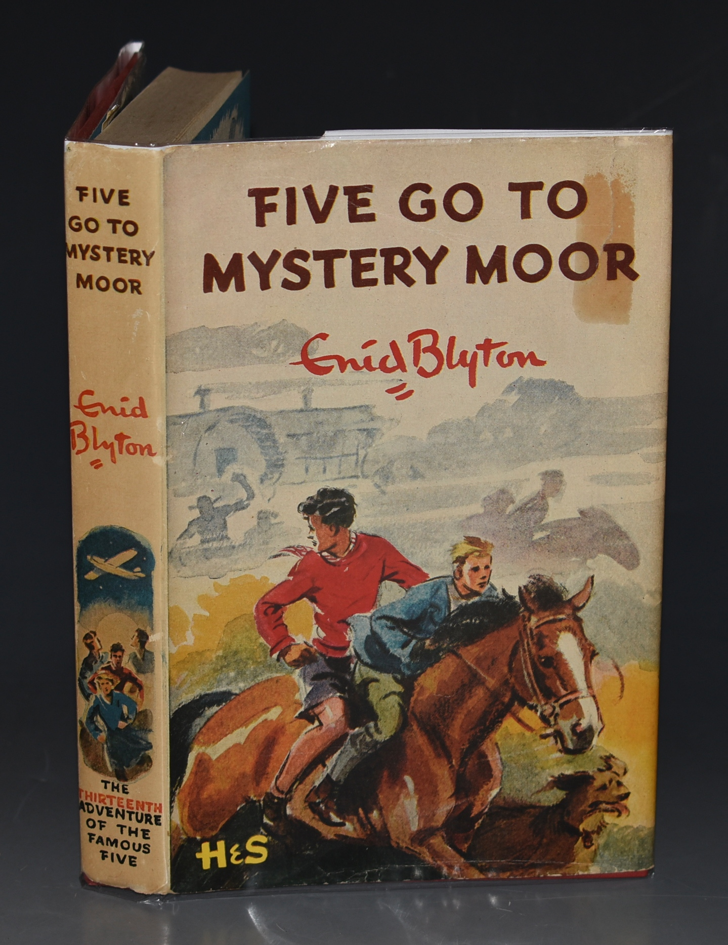 Image for Five Go To Mystery Moor.