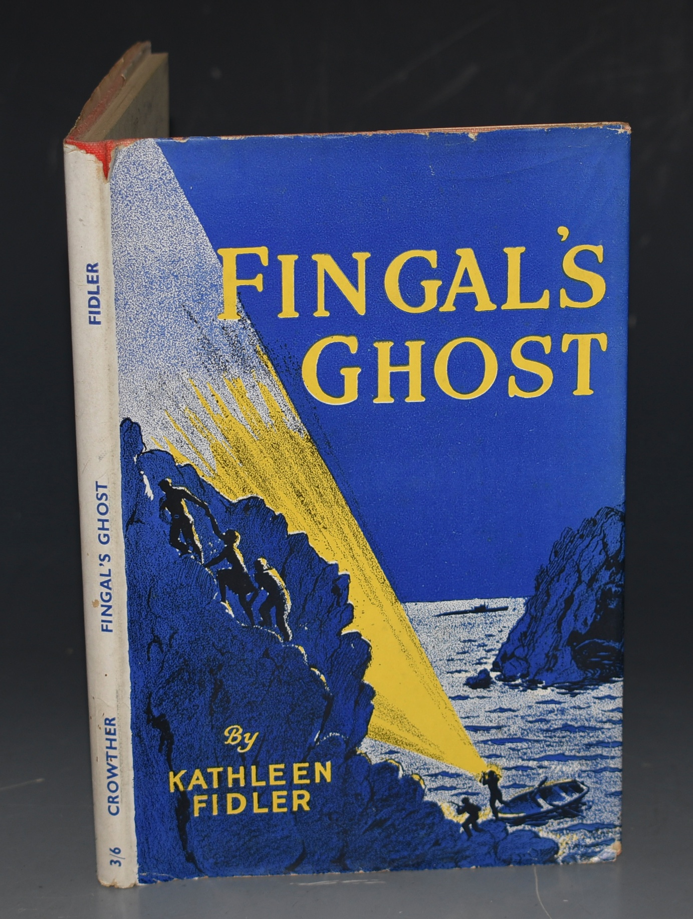 Image for Fingal's Ghost. An adventure story based on the radio play of the same name.